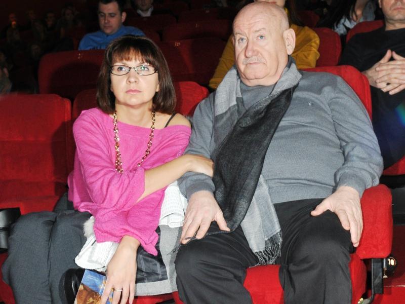 В личной жизни звезд Марк Григорьевич разбирается: сам был в браке трижды