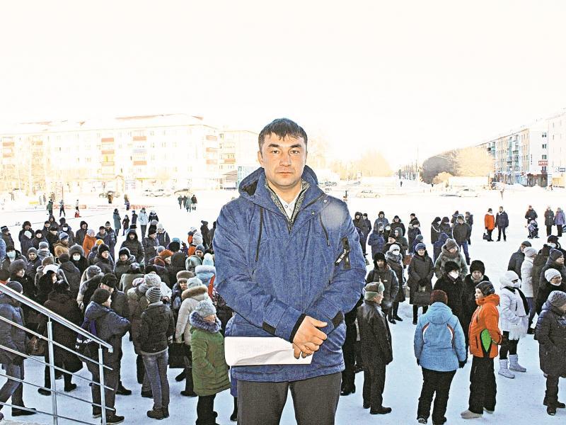 Ильшат Муртазин на одном из собраний горожан в Сибае
