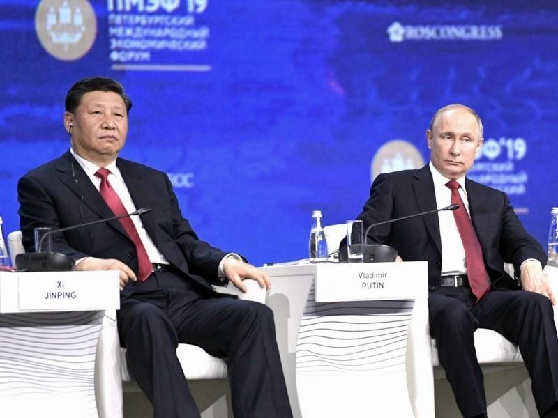 Си Цзиньпин и Путин на Петербургском международном экономическом форуме – 2019. Фото: Kremlin Pool / Global Look Press