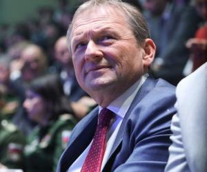Титов пустил деньги в Рост: партия бизнес-омбудсмена оказалась на защите дворца в Геленджике
