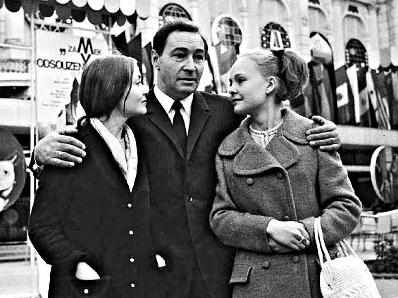 Актеры Жанна Болотова, Вячеслав Тихонов и Наталия Белохвостикова на кинофестивале в Карловых Варах