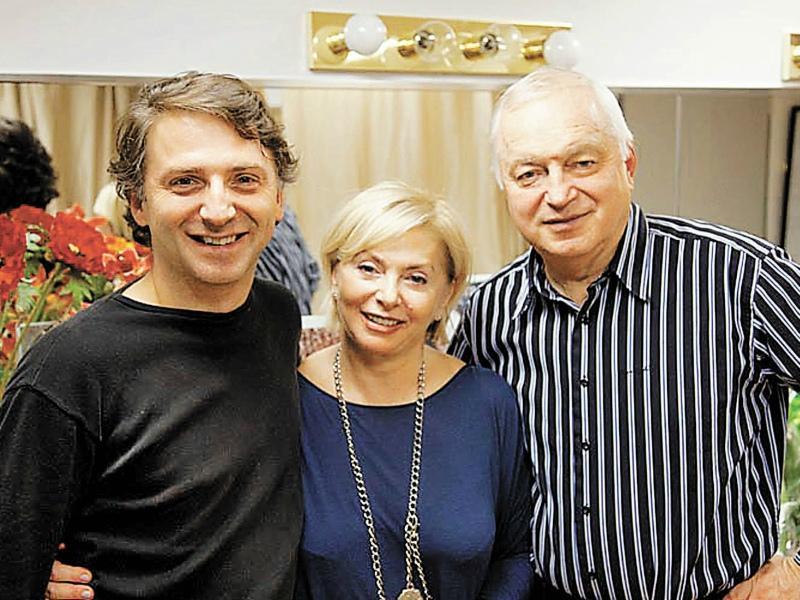 Татьяна и Сергей с сыном Александром. Он, как и родители, увлекся музыкой