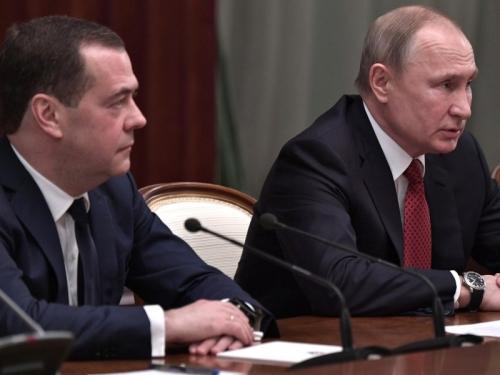 Дмитрий Медведев и Владимир Путин после объявления об отставке правительства 15 января. Фото: Kremlin Pool / Global Look Press
