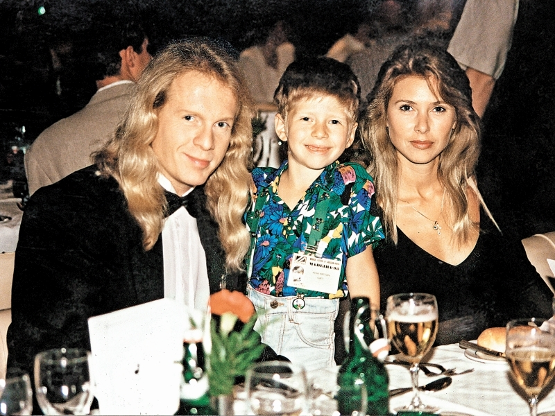 Крис Кельми с семьей // фото: Борис Кремер