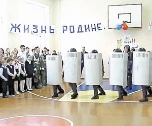 Спецназ ФСИН помогает определиться в жизни златоустовским школьникам