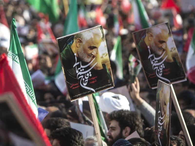 50 мусульман погибли в давке на прощании с генералом // фото в статье: Global Look Press