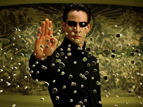 Кадры в статье: фильм «Матрица»