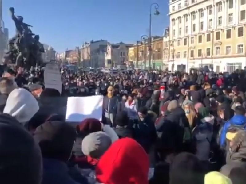Дудь во Владивостоке, ОМОН в Хабаровске и обращение Лолиты. Дайджест протеста к утру