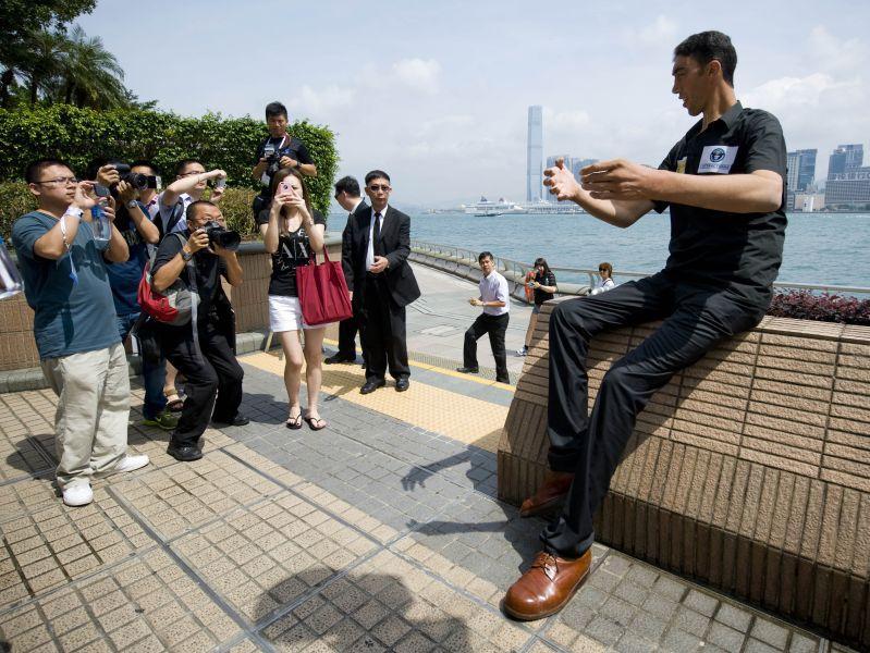 Где бы ни появился Султан Кесен, он становится главной достопримечательностью // фото: Global Look Press
