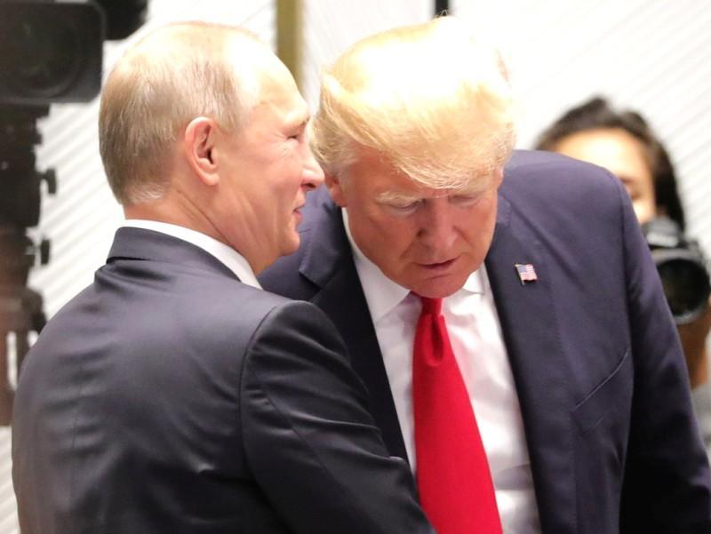 Предыдущая встреча Путина и Трампа – на саммите АТЭС в ноябре 2017 года // фото: Kremlin Pool / Global Look Press