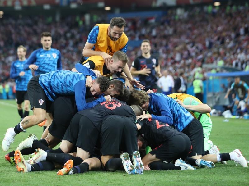 Куча мала из хорватов отмечает победу / фото: Global Look Press