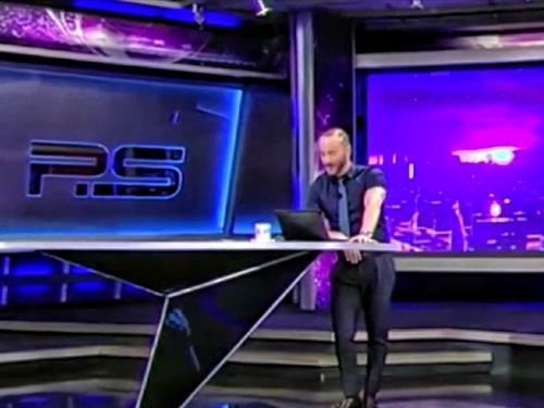 Оскорбившего Путина телеведущего отстранили от эфира // кадр: Телеканал 360 / YouTube