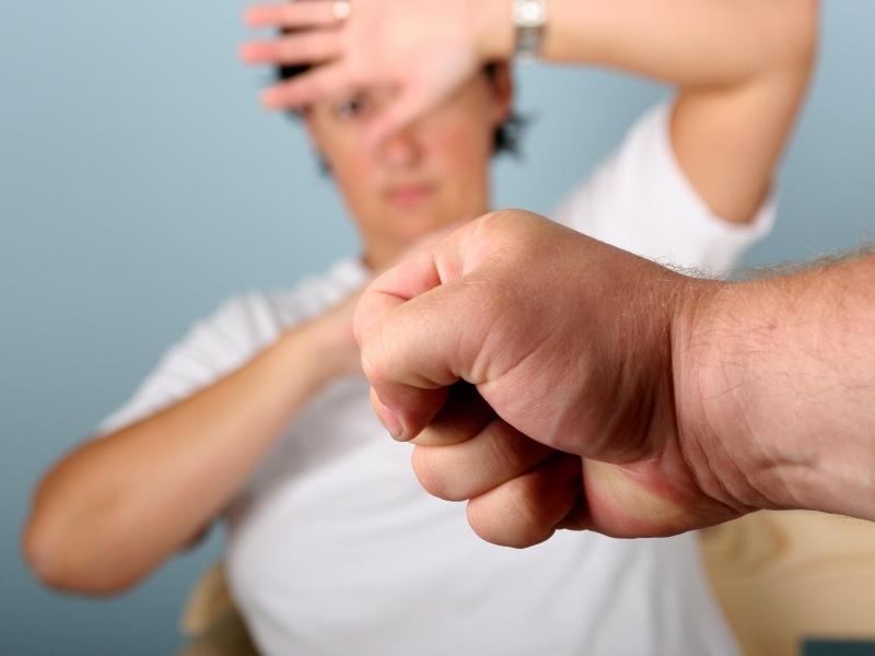 В ЕСПЧ лежит порядка ста жалоб россиянок на домашнее насилие // фото: Global Look Press
