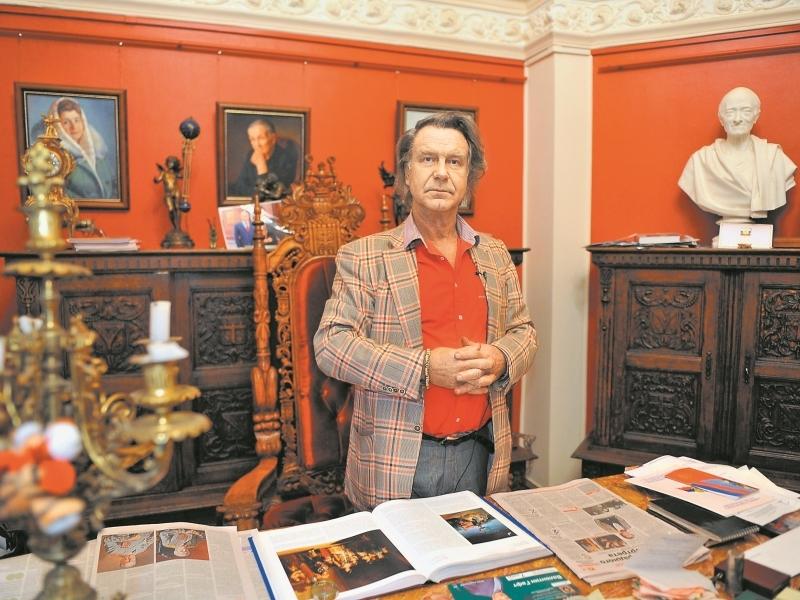 Все свои картины художник дарит галерее, которой сам и руководит // фото: Global Look Press