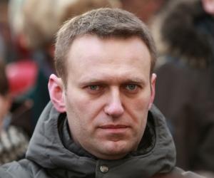 Алексей Навальный: Путин уже больше, чем государь император. Он сакральный символ