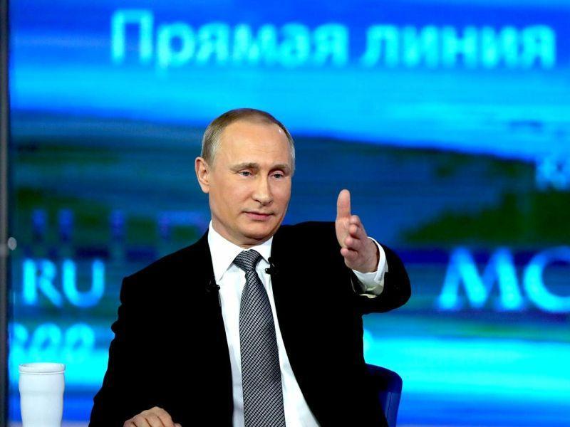 """Владимир Путин на одной из предыдущих """"прямых линий"""" // фото: Global Look Press"""