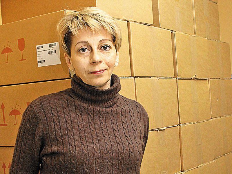 """Доктор Лиза (Елизавета Глинка) в помещении своего фонда // Фото: Андрей Струнин / """"Собеседник"""""""