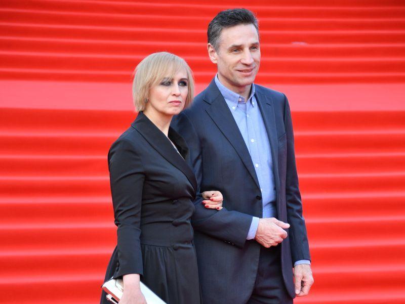 Актер со спутницей на красной дорожке Московского кинофестиваля, апрель 2018 года // фото: Global Look Press