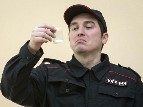 """""""Конвейер работает по-прежнему"""": как в России заводят дела по статье 228"""