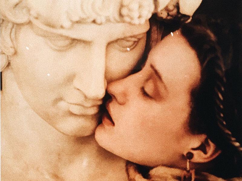 Шейла Мецнер. Поцелуй. Fendi 1986 // Фото: архив редакции