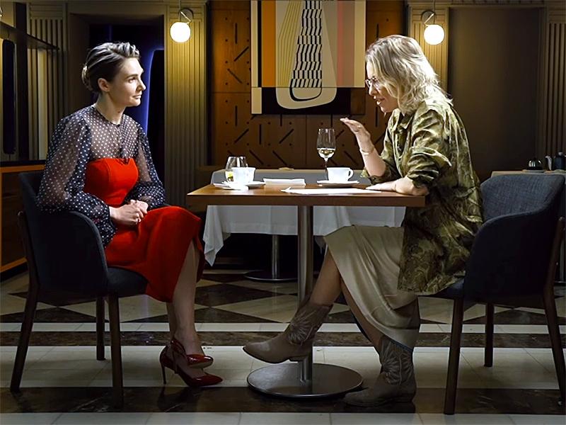 Анна Шафран и Ксения Собчак / фото: скриншот Youtube / передача «Осторожно Собчак»