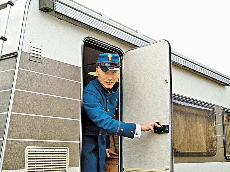 Сергей Хрусталев на съемках сериала «В лесах и на горах»