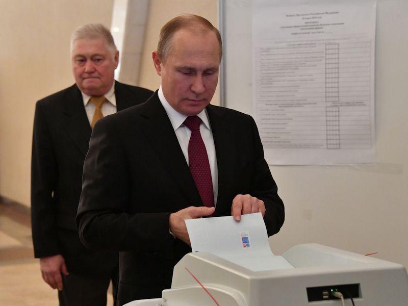 Владимир Путин голосует на выборах-2018 // фото: Global Look Press