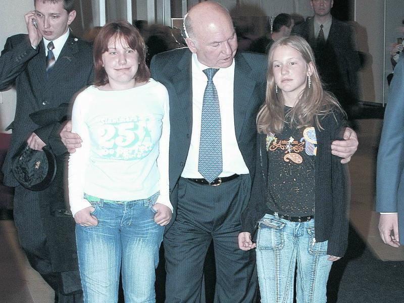 Юрий Лужков с дочерьми Еленой и Ольгой // Фото: Global Look Press
