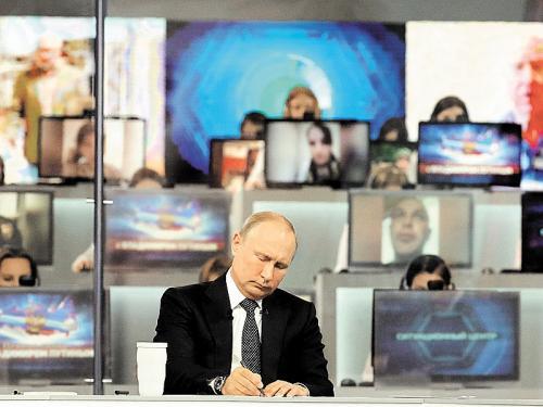 """Достучаться до Путина сложно, но можно? Чем кончаются жалобы по """"прямой линии"""""""