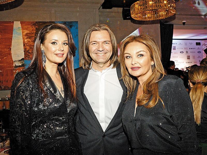 Оксана Федорова и Дмитрий Маликов с женой // фото: Global Look Press / Anatoly Lomokhov