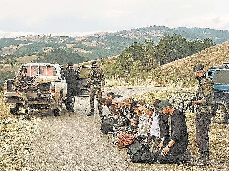 В фильме отражены реальные события в Косово в 1999 году // кадр: фильм «Балканский рубеж»