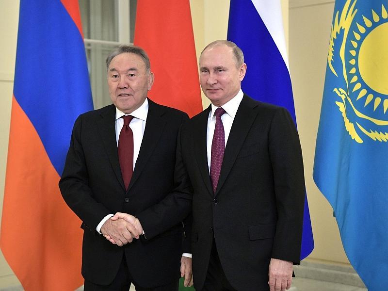 Нурсултан Назарбаев с Владимиром Путиным // фото: Global Look Press