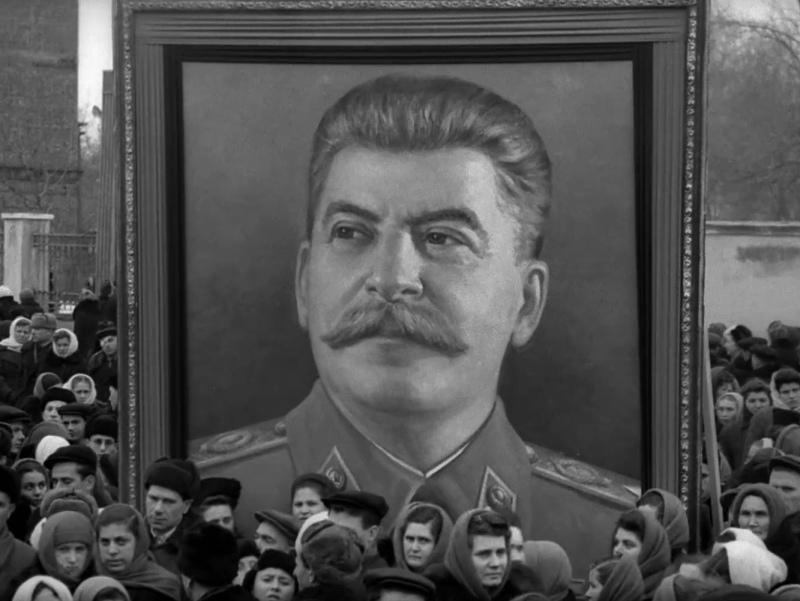 """Кадр из фильма """"Прощание со Сталиным"""""""