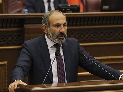 Пашинян уйдет в отставку ради досрочных выборов в парламент