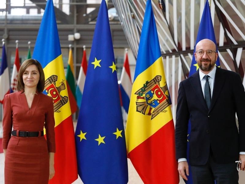 Майа Санду и глава Евросовета Шарль Мишель // Фото: Global Look Press
