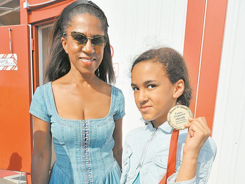 Елена Ханга с дочерью Елизаветой-Анной // фото: Global Look Press