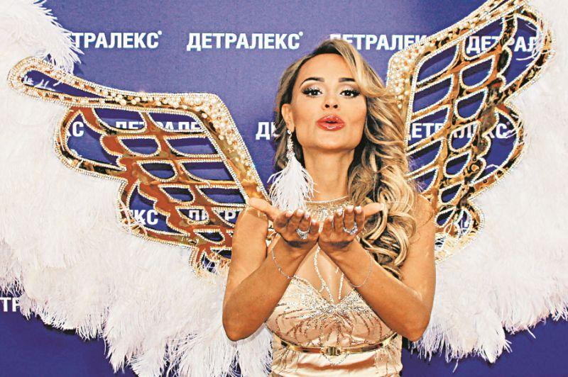 Анна Калашникова на церемонии вручения премии телеканала RU.TV 2018 // фото: Артем Костенко