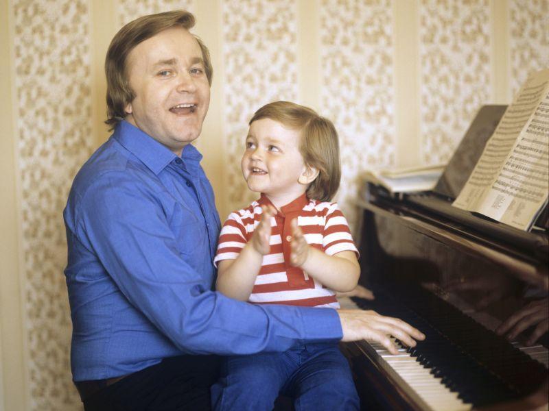 Евгений Мартынов с сыном Сергеем // фото: Евгений Матвеев / Global Look Press