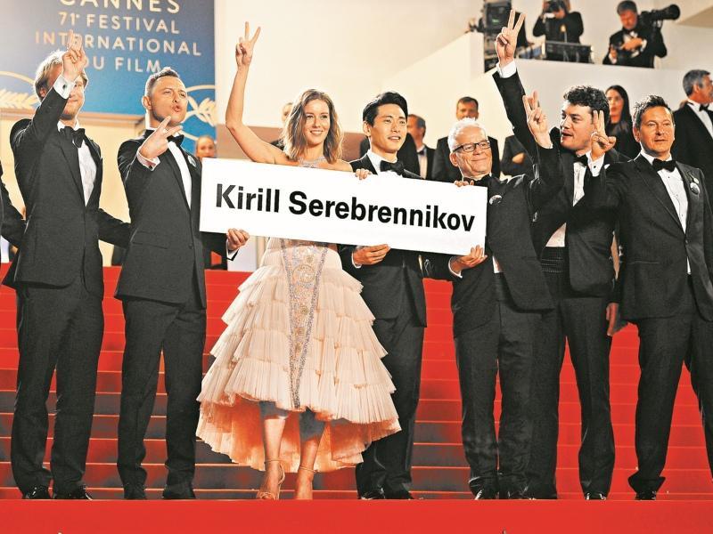 Съемочная группа «Лета»: Серебренников с нами! // Фото: Global Look Press