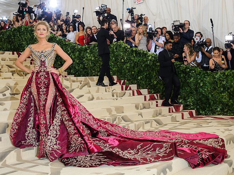 Блейк Лайвли на красной дорожке Met Gala // Фото: Nancy Kaszerman / Global Look Press