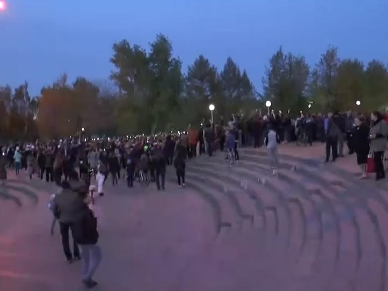 Среда, третий день протестов // стоп-кадр / YouTube / канал E1.ru