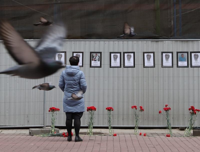 Фотографии врачей, погибших от коронавируса в Петербурге // Фото: Global Look Press