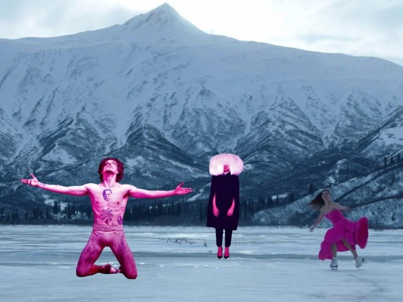 Фигуристка Елена Ильиных станцевала на замерзшем озере в новом клипе певицы Sia