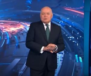 """Ведущий """"Вестей недели"""" Дмитрий Киселев//фото: стоп-кадр YouTube"""