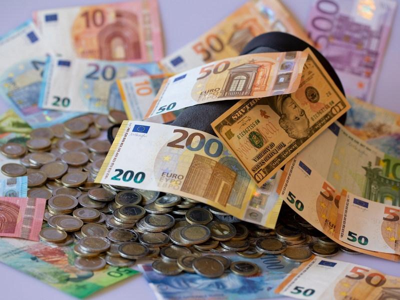 Мовчан: Долгосрочные вклады надо делать не в рублях, а в валютах передовых стран