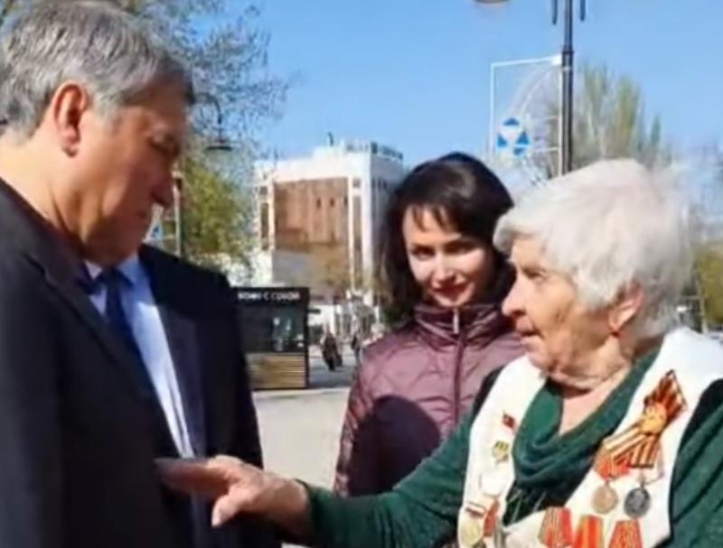 Володина  в отставку, бабуле  орден Мужества!: россияне врезали спикеру Госдумы