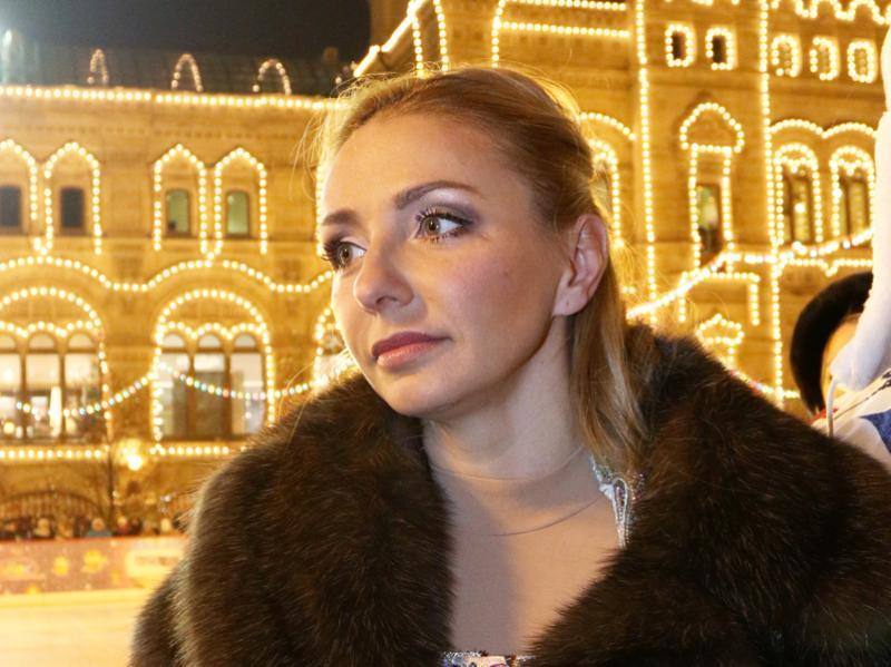 Открытие ГУМ-катка на Красной площади - Страница 4 LRKW9uYkrduyv7u8dbeY