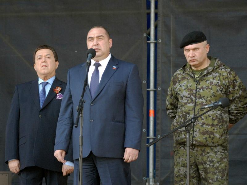 Игорь Плотницкий (на фото в центре) сбежал из ЛНР // Фото: Global Look Press