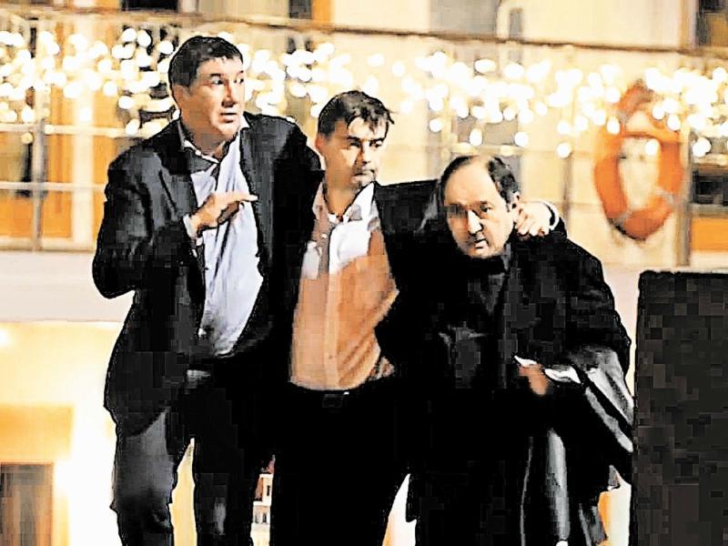 Даже экс-вице-спикеру Сергею Железняку (в центре) иногда нужна поддержка электорат
