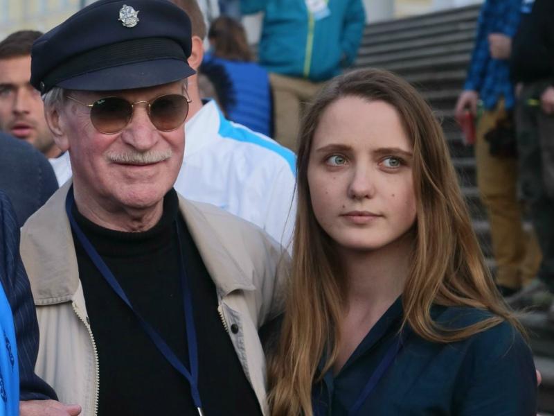 Иван Краско со своей молодой женой // Фото: Global Look Press